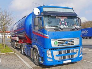 Helpful Tips for Proper Truck Stop Etiquette baltimore freightliner